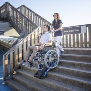 Устройства за изкачване на хора и предмети по стълби