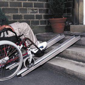рампи за инвалидна количка